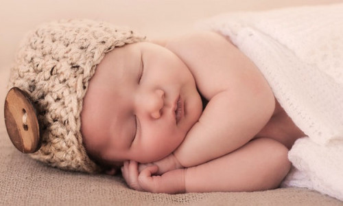 Πώς να προσαρμόσετε την ρουτίνα ύπνου του μωρού σας